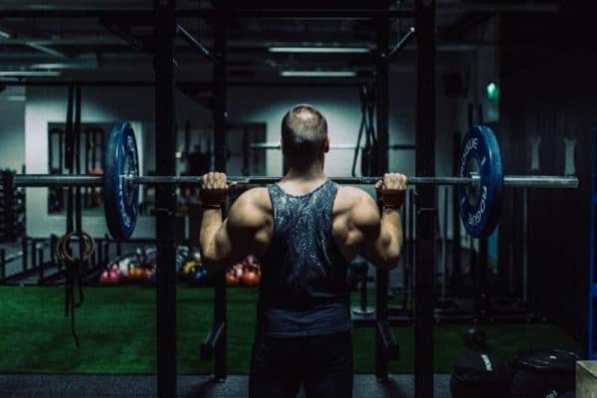 Lihasmassan kasvatus pystypunnerruksella